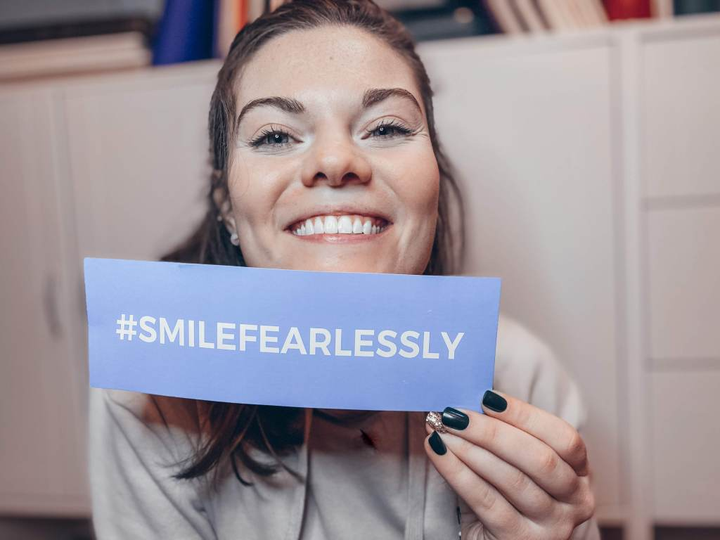 smile fearlessly with smile brilliant at home teeth whitening